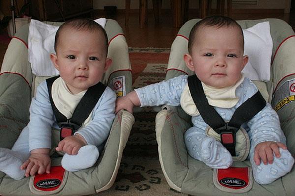 Diferencia entre mellizos y gemelos