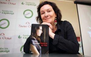 Clara Sánchez publica un libro sobre Los niños robados