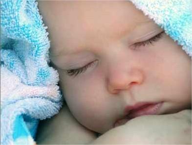¿Hay que dejar llorar a los bebés?