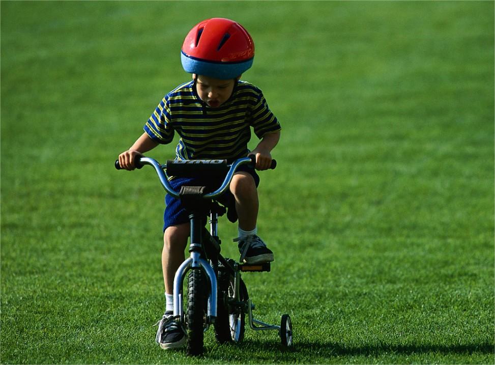 Niños sobre ruedas VI