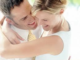 Hacer actividades sin los niños enriquece a la pareja