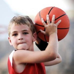 Los adolescentes deportistas sacan mejores notas en el colegio