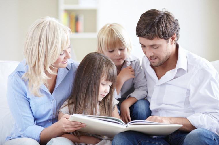 Los padres españoles leen pocos cuentos a sus hijos