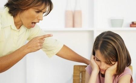 Gritar a los niños ayuda a reforzar su mal comportamiento