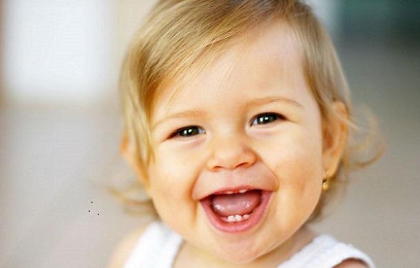Resultado de imagem para alegria de bebe