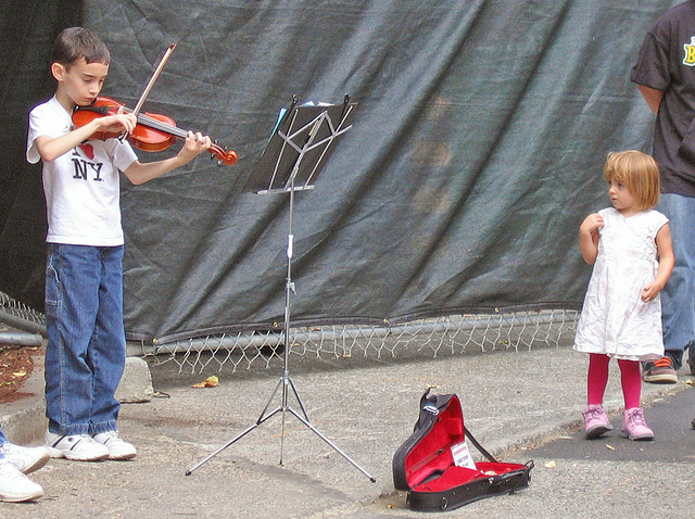 Los niños y los instrumentos musicales
