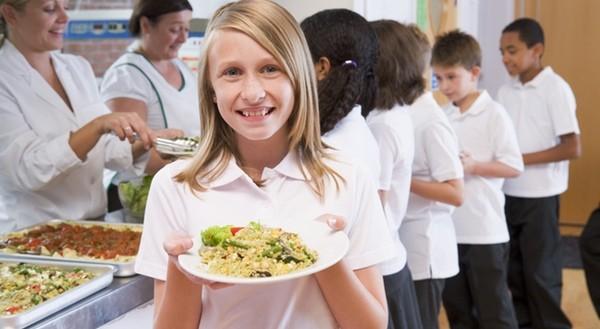 Apoya el programa Becas Comedor Educo