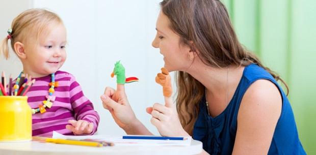 Cómo elegir a una niñera de confianza para tus hijos