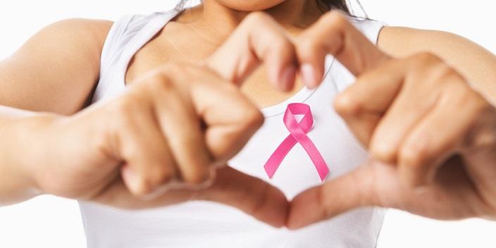 Una niña dona sus regalos de Comunión para investigar contra el cáncer