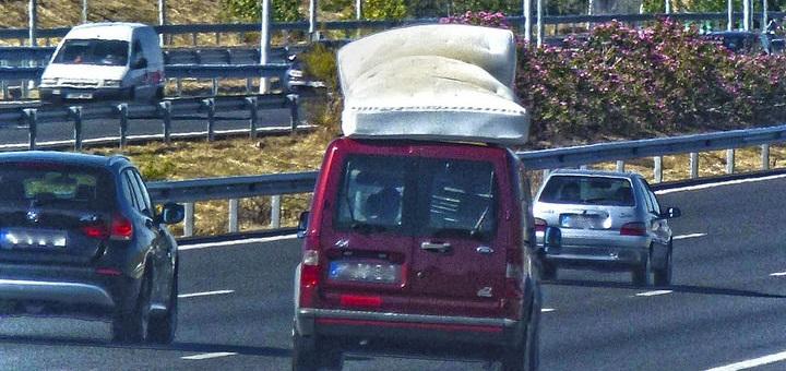 Cómo entretener a los niños durante un viaje en coche
